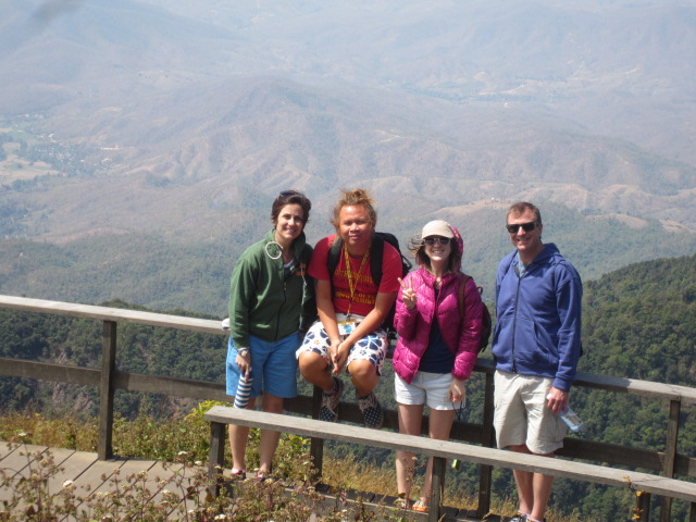 Hike with Nut te dah (7)